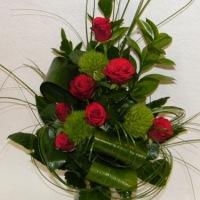 raudonų rožių puokštė iškilmingai progai