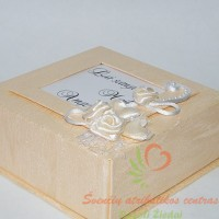 pagalvėlė žiedams dėžutėje