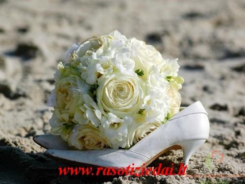 visa vestuviu floristika, jaunosios puokstes, palydos puokstes, sales puosimas