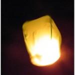 geltonas-dangaus-zibintas