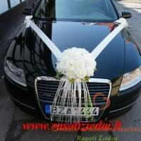 dirbtinių gėlių papuošimas automobiliui