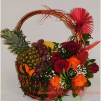 Vaisių, ointinė, krepšys su gėlėmis