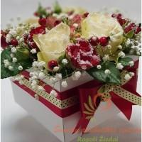 gėlės dėžutėje, geliu kompozicija, dezuteje, geles internetu, gėlių dėžutė, geles i namus dezuteje
