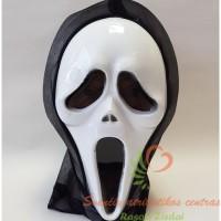 helovino kaukė klyksmas
