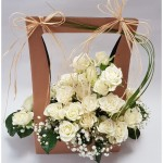 gėlių kompozicija dėžutėje