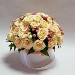 Rožių puokštė kompozicija dėžutėje