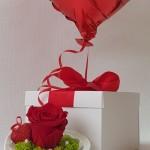 bhelio balionas su stabilizuota rože valentino dienai