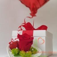 Dovana-roze-su-balionu-1-8