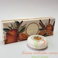 Itališkas Saponificio Artigianale Fiorentino apelsinų ir cinamono aromato muilas dėžutėje 3vnt. po 100g