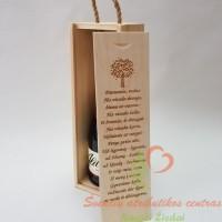 Graviruota dėžė vyno buteliui vestuvių metinių proga